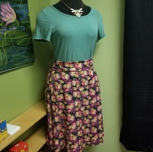 ⭐3for$20 EUC! Lularoe Dusty Solid Teal Perfect T